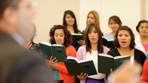10-things-I-learned-in-ward-choir-women-singing