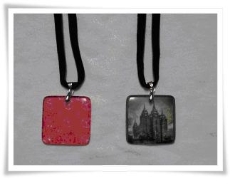 Personalized_Glass_Pendant_Necklaces_1