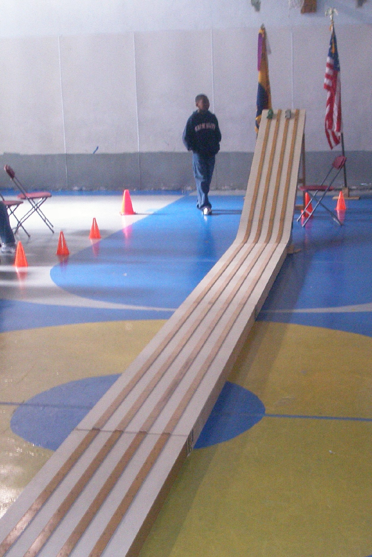track pinewood derby